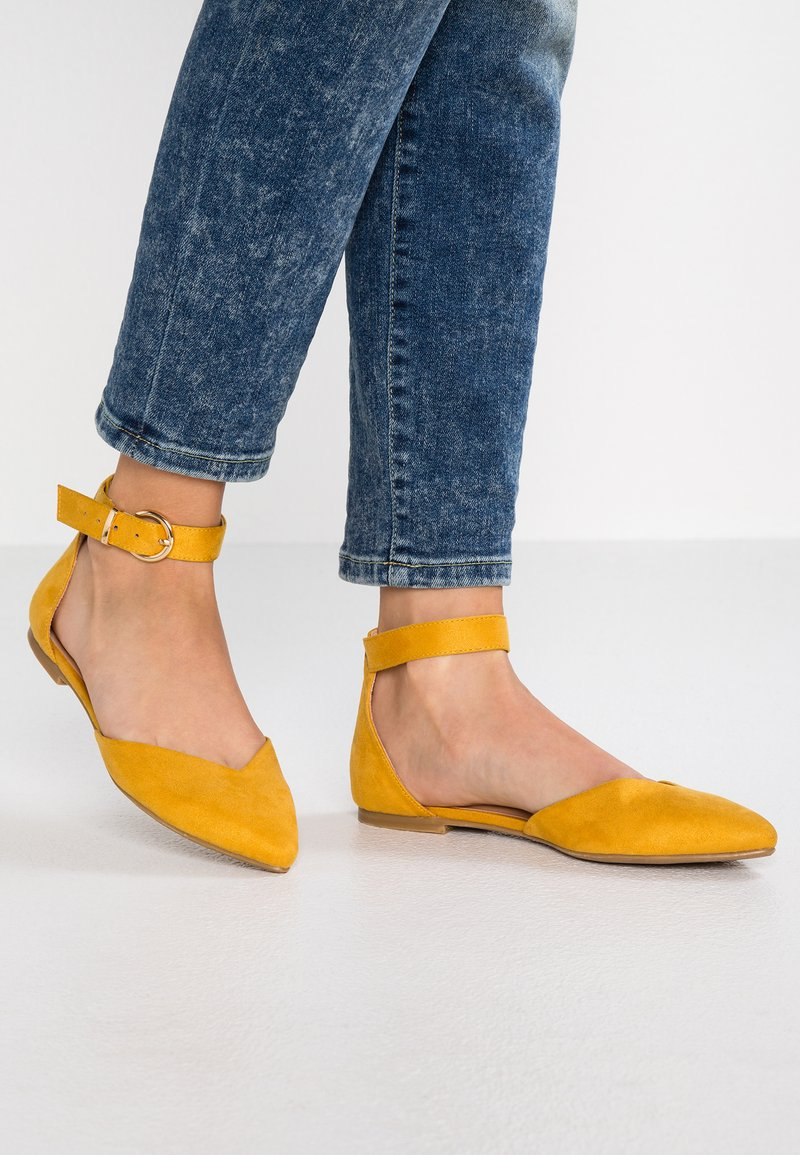 Even&Odd - Ankle strap ballet pumps - yellow