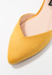 Even&Odd - Ankle strap ballet pumps - yellow - 2