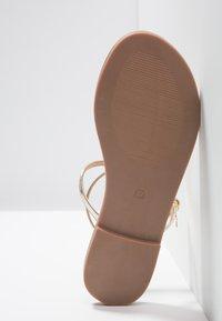 Even&Odd - Sandály s odděleným palcem - gold - 6
