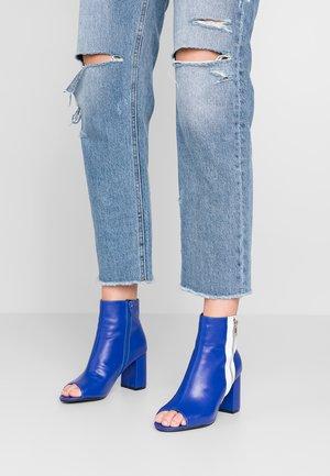 Kotníková obuv na vysokém podpatku - blue