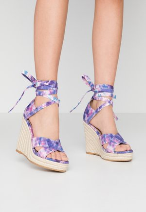 High heeled sandals - pink/blue