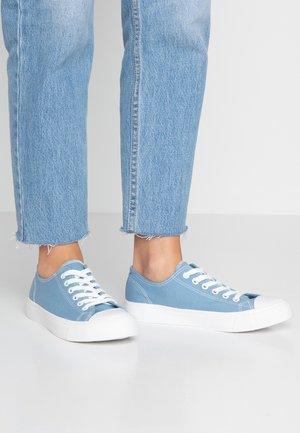 Sneakersy niskie - light blue