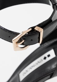 Even&Odd - Korolliset sandaalit - black - 2
