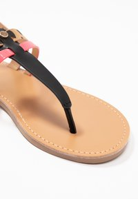 Even&Odd - Sandály s odděleným palcem - black - 2