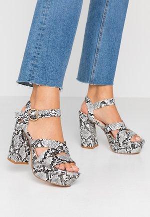 Sandalen met hoge hak - black/white