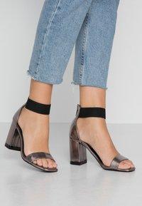 Even&Odd - Sandály na vysokém podpatku - gunmetal - 0
