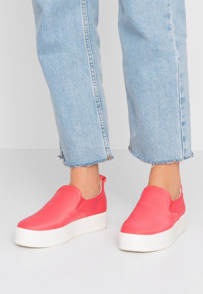 Even&Odd - Slip-ons - coral