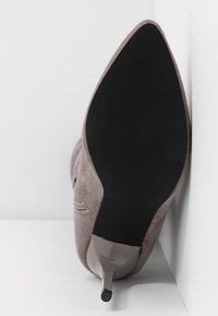 Even&Odd - High heeled boots - grey - 6