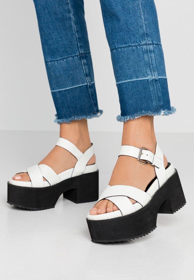 LEATHER PLATFORM HEELED SANDAL - Korolliset sandaalit - white