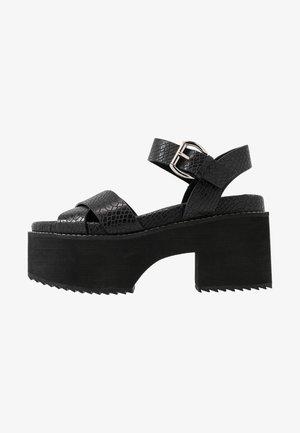 LEATHER PLATFORM HEELED SANDAL - Sandaletter - black