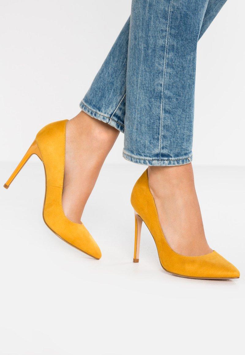 Even&Odd - High Heel Pumps - yellow