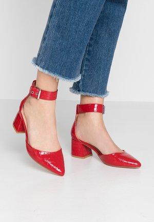 Tacones - red