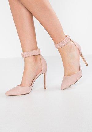 Zapatos altos - rose
