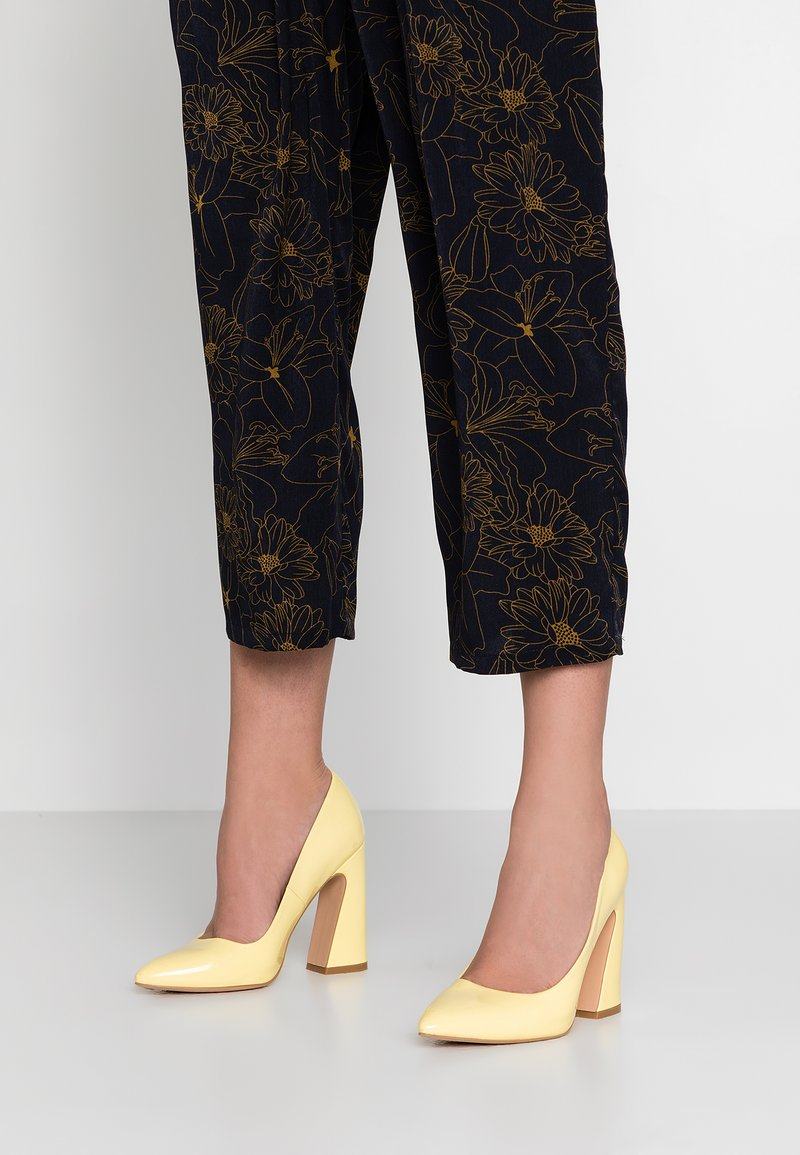 Even&Odd - High heels - yellow