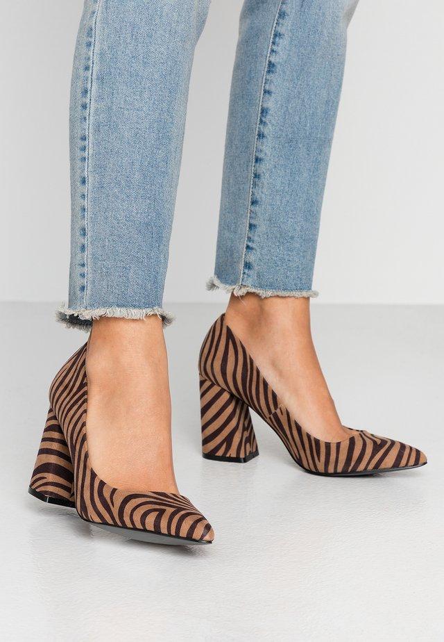 High heels - brown/black