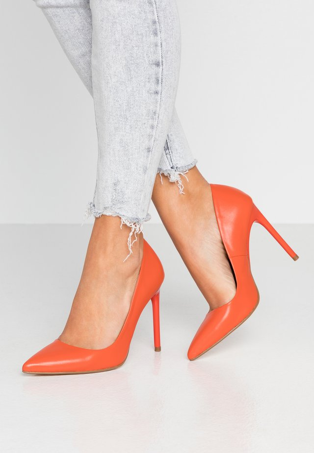 LEATHER PUMP - High Heel Pumps - orange