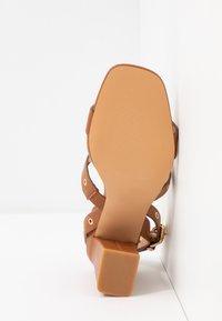 Even&Odd - Sandály na vysokém podpatku - cognac - 6