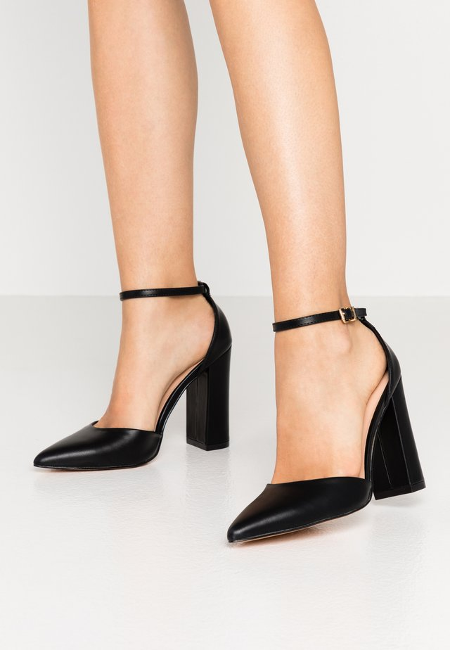 High Heel Pumps - black