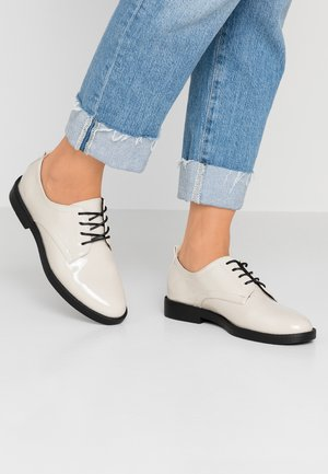 Šněrovací boty - light grey
