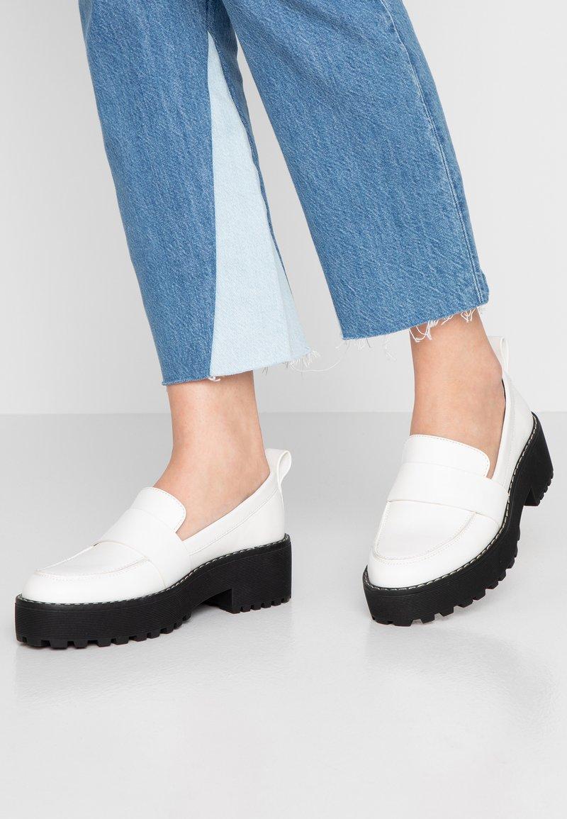 Even&Odd - Nazouvací boty - white