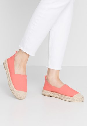Loafers - coral