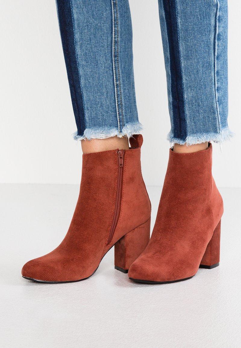 Even&Odd - Kotníková obuv na vysokém podpatku - orange