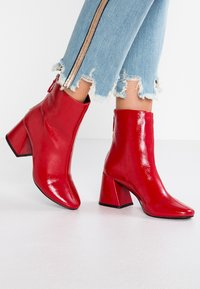 Even&Odd - Classic ankle boots - red - 0