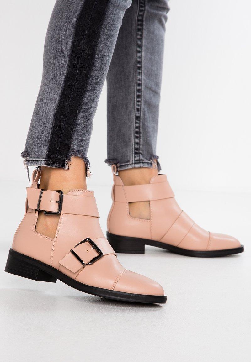 Even&Odd - Boots à talons - nude