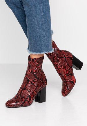 Kotníková obuv na vysokém podpatku - red/black