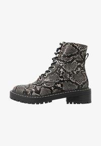 Even&Odd - Kotníkové boty na platformě - black/white - 1