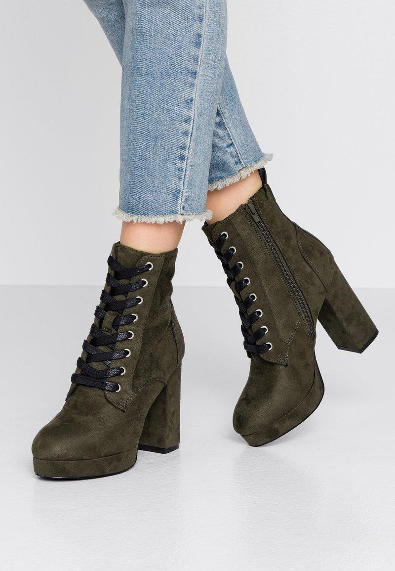 Even&Odd - Kotníková obuv na vysokém podpatku - khaki