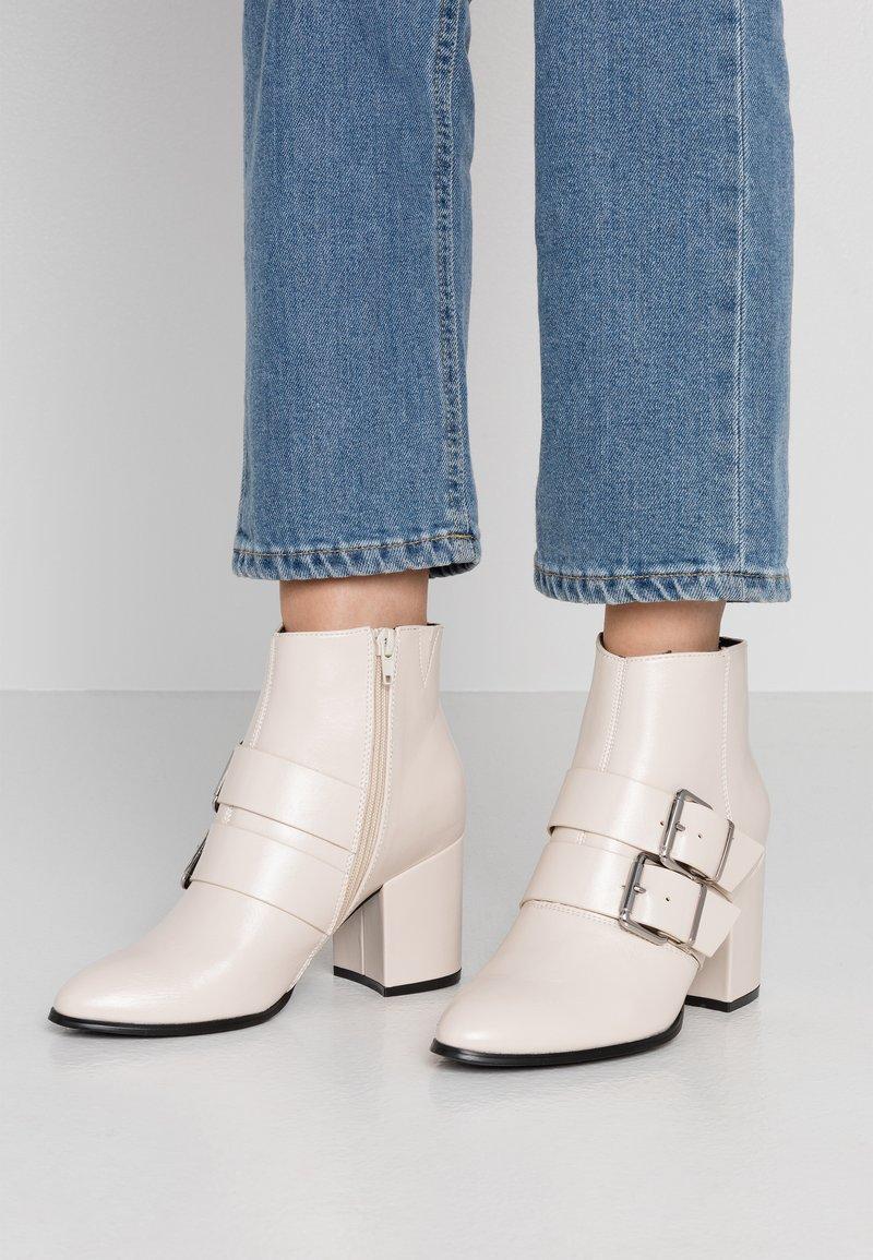 Even&Odd - Kotníková obuv - white