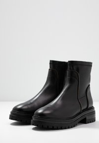 Even&Odd - LEATHER BOOTIE - Platform ankle boots - black - 4