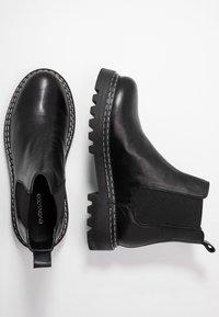 Even&Odd - LEATHER CHELSEA BOOTIE - Botki na platformie - black - 3
