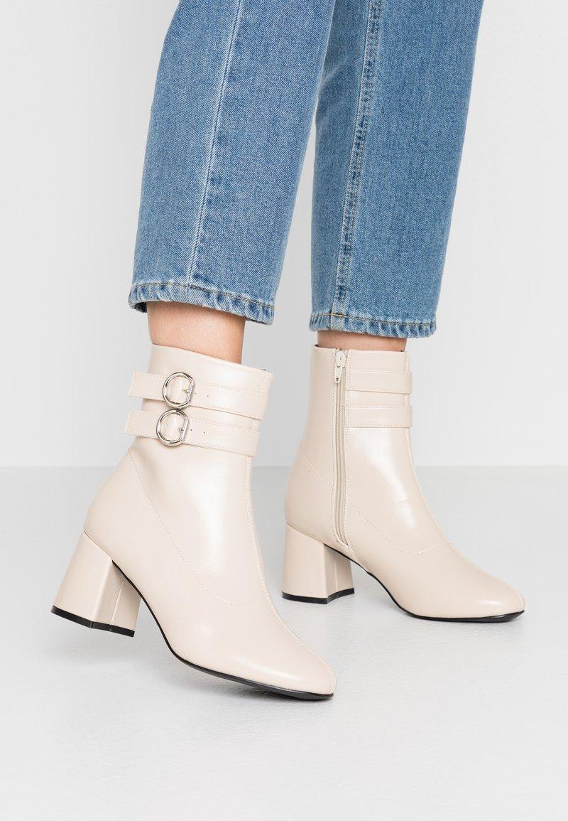 Even&Odd - Kotníkové boty - white