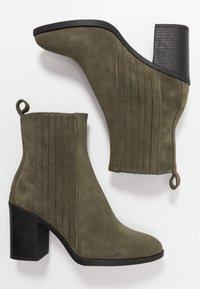 Even&Odd - LEATHER CHELSEA BOOTIE - Kotníková obuv na vysokém podpatku - oliv - 4