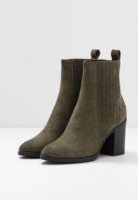 Even&Odd - LEATHER CHELSEA BOOTIE - Kotníková obuv na vysokém podpatku - oliv - 3