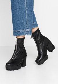 Even&Odd - LEATHER PLATFORM BOOTIE  - Kotníková obuv na vysokém podpatku - black - 0