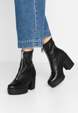 LEATHER PLATFORM BOOTIE  - Kotníková obuv na vysokém podpatku - black