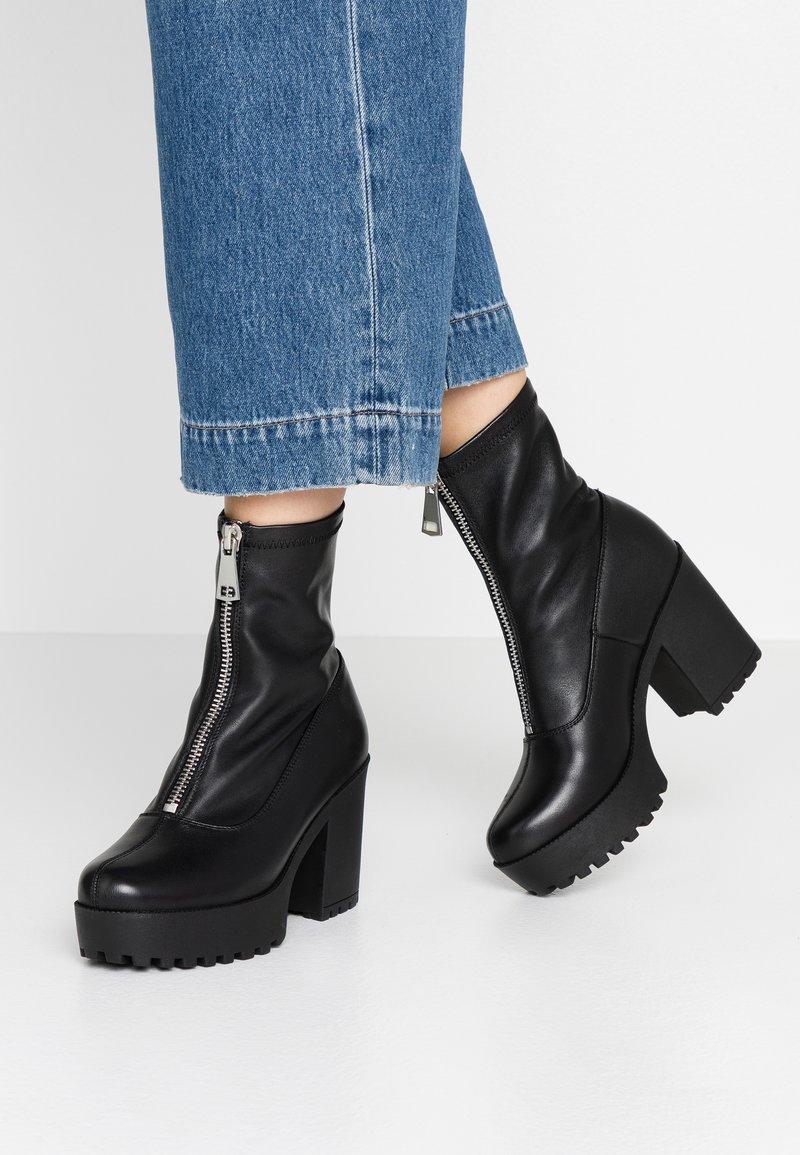 Even&Odd - LEATHER PLATFORM BOOTIE  - Kotníková obuv na vysokém podpatku - black