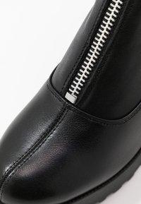 Even&Odd - LEATHER PLATFORM BOOTIE  - Kotníková obuv na vysokém podpatku - black - 2