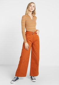 Even&Odd - Flared Jeans - light brown - 2