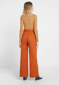Even&Odd - Flared Jeans - light brown - 3