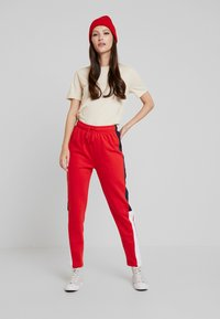 Even&Odd - Tracksuit bottoms - red - 1