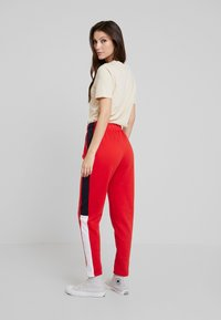 Even&Odd - Tracksuit bottoms - red - 2