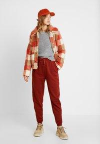 Even&Odd - Pantalon de survêtement - chocolate - 1