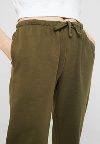 Even&Odd - Tracksuit bottoms - khaki - 4