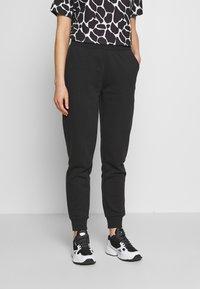 Even&Odd - 2 PACK - Tracksuit bottoms - black/light grey - 2