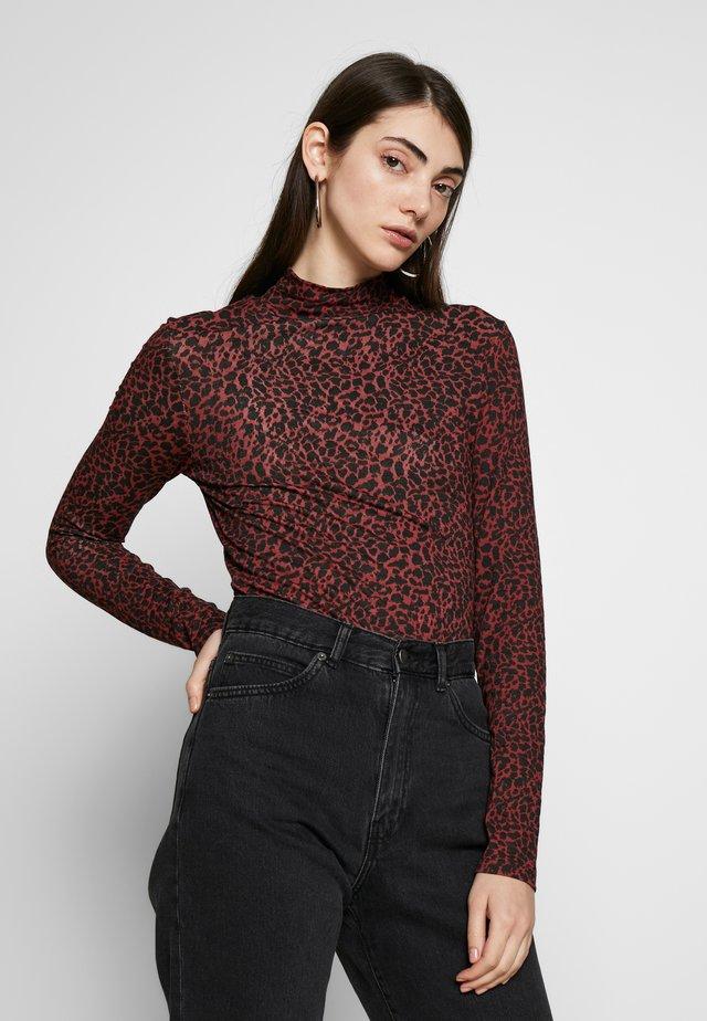 Long sleeved top - red/black