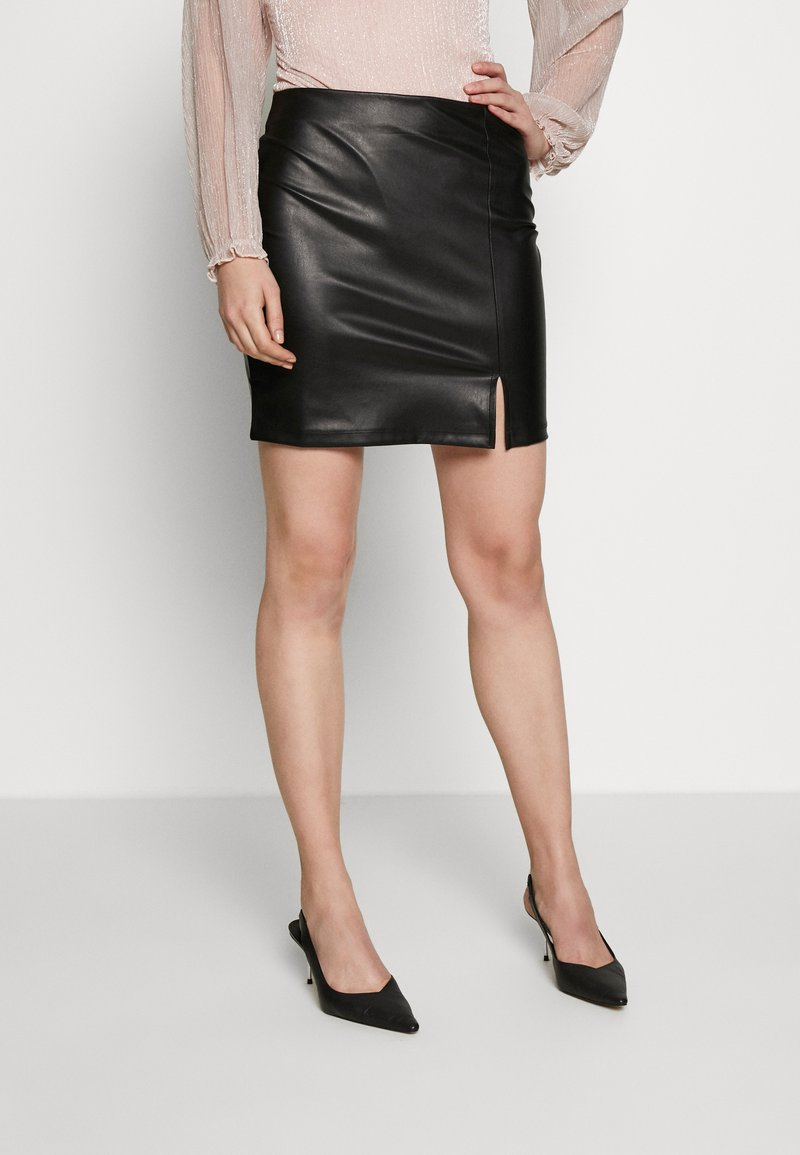 Even&Odd - FAUX-LEDERN MINI ROCK - Mini skirts  - black